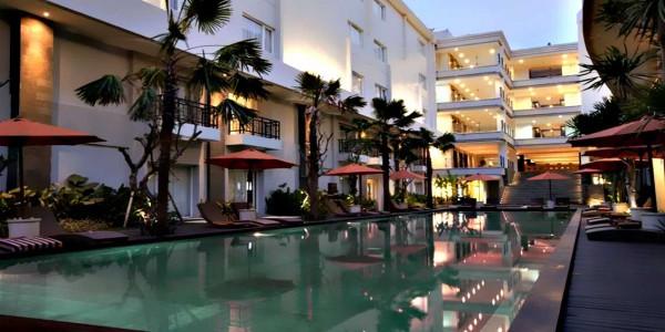 b-hotel-bali-waterpool